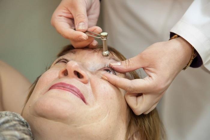 Как измерить давление в глазных яблоках?