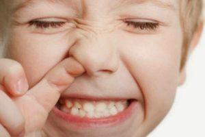 Ребенок засунул в нос игрушку или другой предмет - что делать?