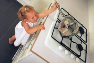 Первая помощь при ожогах кипятком у ребенка