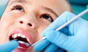 Когда ребенка вести к стоматологу - график посещения зубного врача детьми разного возраста