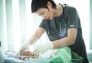 Свищ пупка у новорожденных и детей старше - симптомы и лечение пупочных свищей