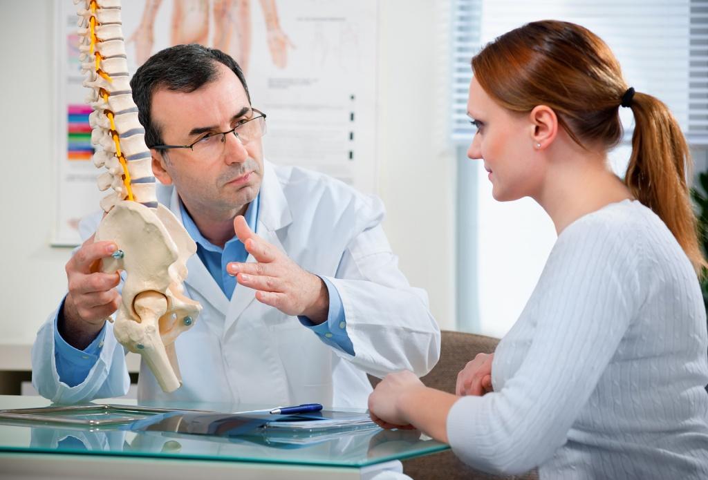 Что лечит врач-вертебролог, и когда к нему обращаться?