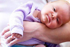 Виды и причины кривошеи у новорожденных и детей старше