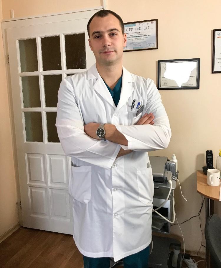 Хирург Кравченко Борис