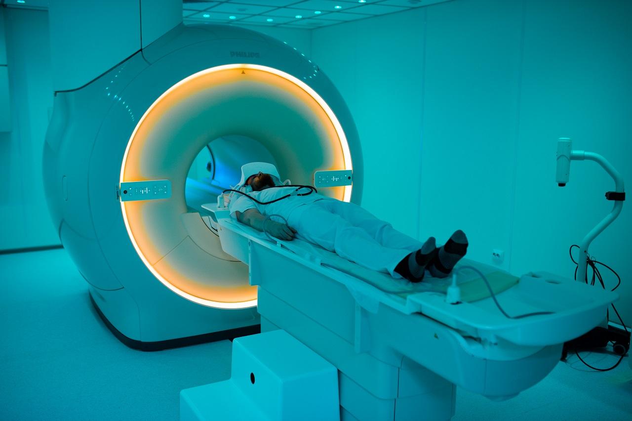 МРТ с контрастом - зачем нужен укол