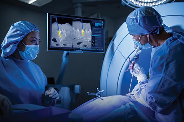 Операции на позвоночнике стали более безопасными: инновационная разработка – навигационная хирургическая система StealthStation S8